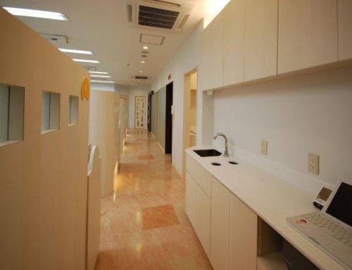 診療室までの廊下